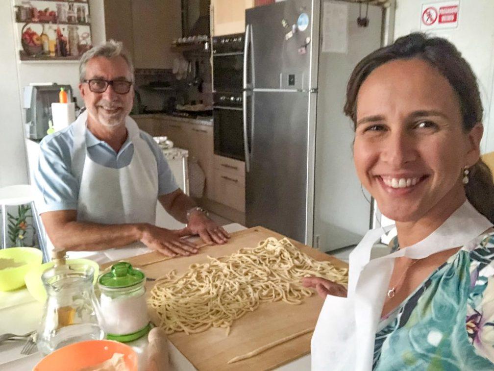 Aula de Culinária na Toscana: fazendo pici em Montalcinopicci