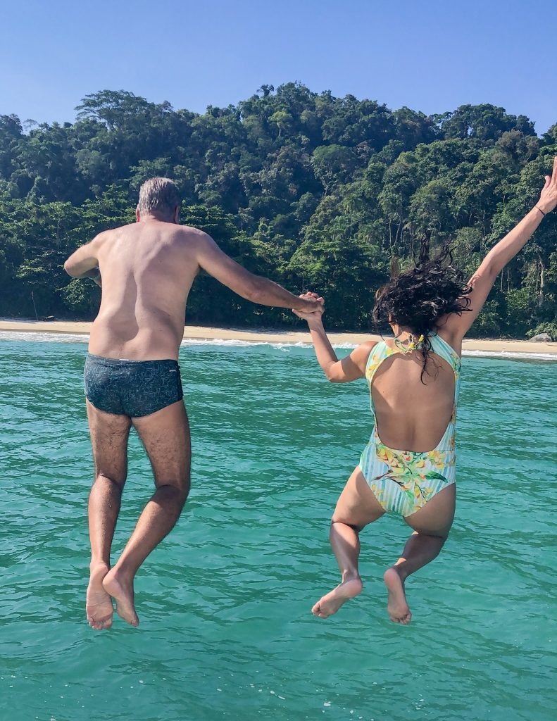 Praia de Amendoeiras - Ilha da Gipoia - Angra dos Reis  3