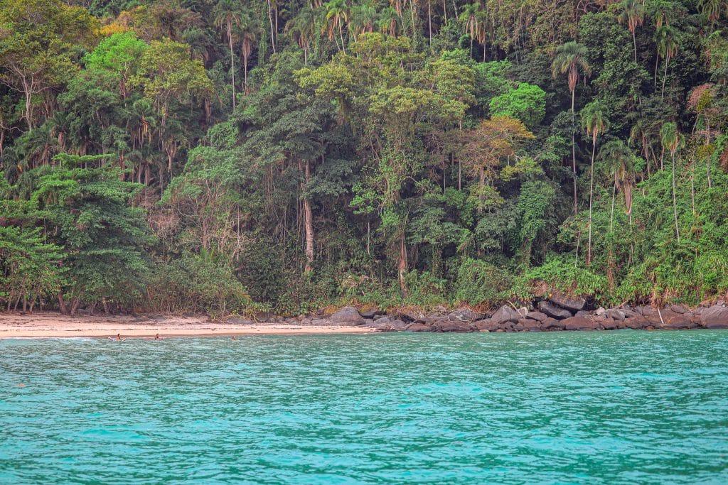 Praia de Amendoeiras - Ilha da Gipoia - Angra dos Reis