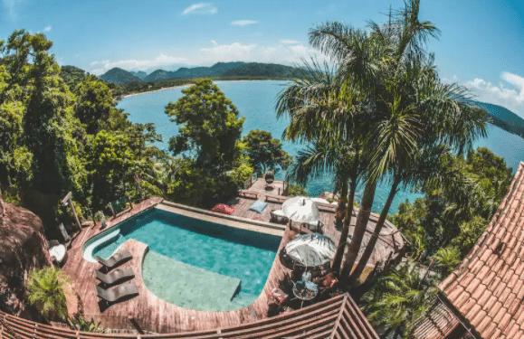 Casa com piscina para alugar em Paraty