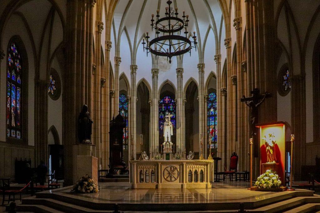 Parte interna da Catedral de São Pedro de Alcântara