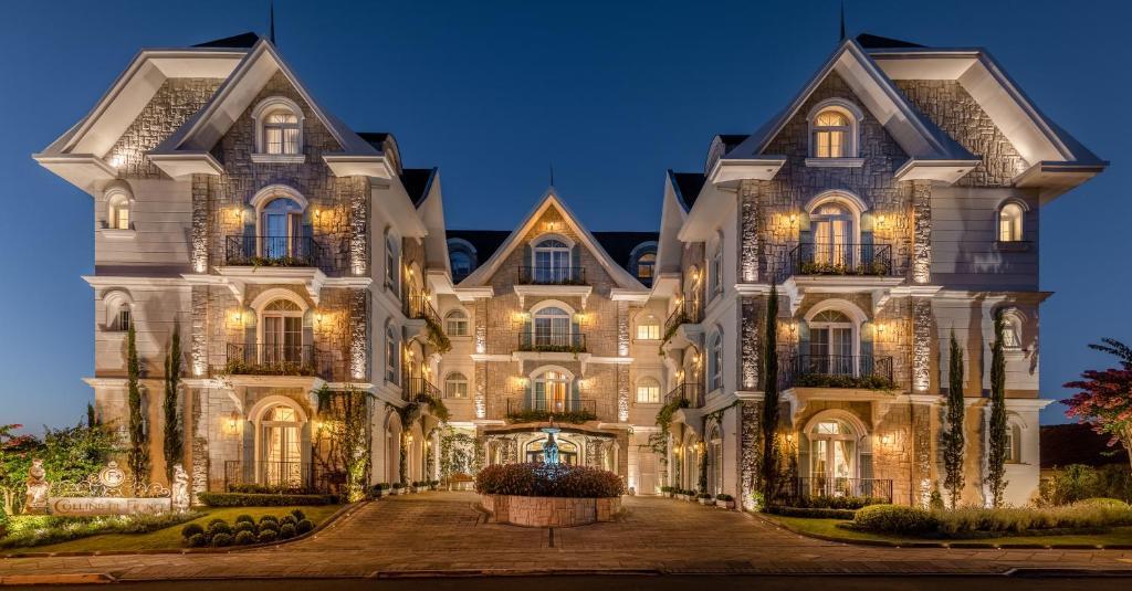Fachada de um castelo hotel